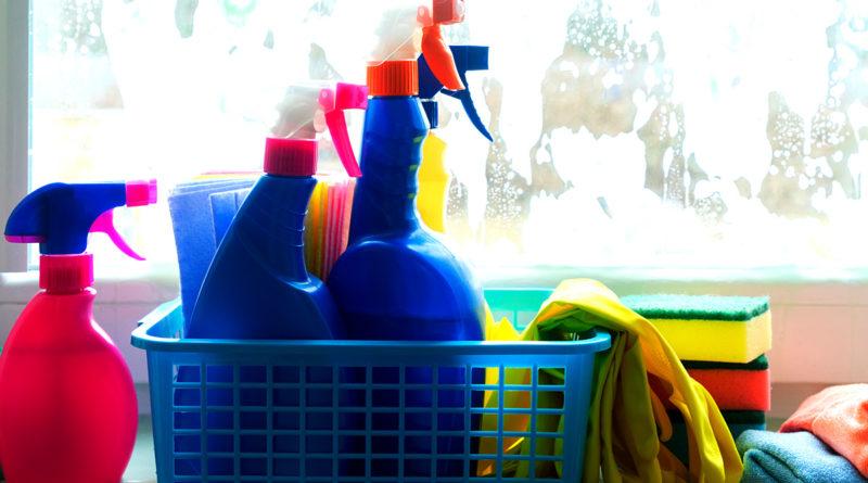 4 astuces pour laver les vitres