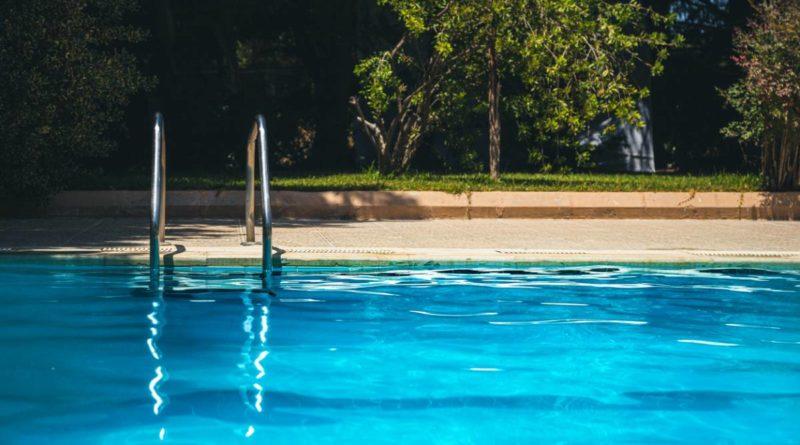 Panoplie propriétaire piscine